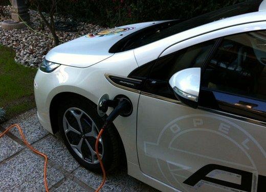 Opel Ampera, long test drive della berlina elettrica ad autonomia estesa - Foto 8 di 29