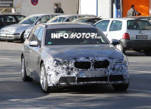 BMW Serie 5 Touring foto spia del facelift - Foto 7 di 14