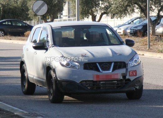 Nissan Qashqai prime foto spia del crossover giapponese - Foto 4 di 18