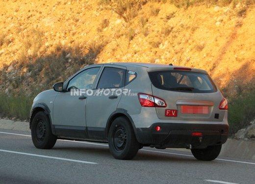 Nissan Qashqai prime foto spia del crossover giapponese - Foto 12 di 18