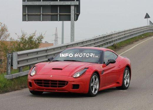 Ferrari California foto spia di un muletto molto particolare