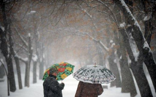 Guidare sulla neve in città, consigli utili sulle strade senza obbligo di catene da neve o di pneumatici invernali - Foto 15 di 15