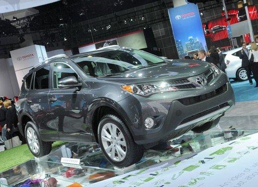 Nuova Toyota RAV4 debutta al Salone dell'Auto di Los Angeles 2012