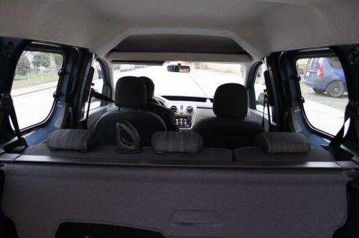 Dacia Dokker Laureate 1.5 dCi 90 CV prova su strada - Foto 16 di 26