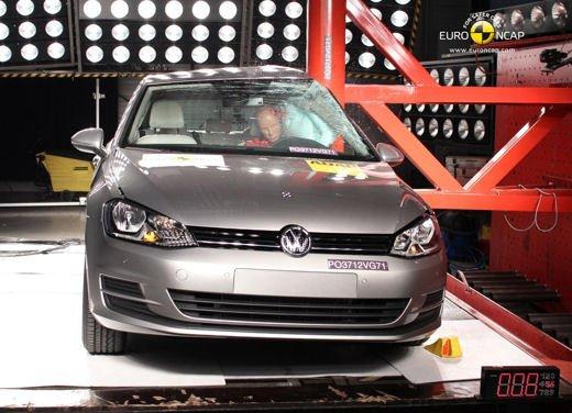 Crash-test EuroNCAP: 5 stelle per i modelli di fascia alta e 4 stelle per utilitarie e citycar - Foto 2 di 6