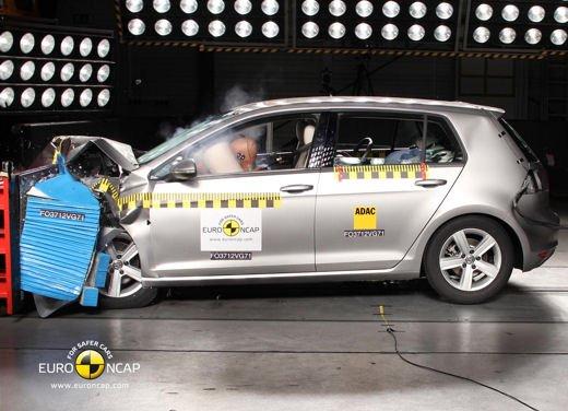 Volkswagen Golf 7 conquista 5 stelle EuroNcap