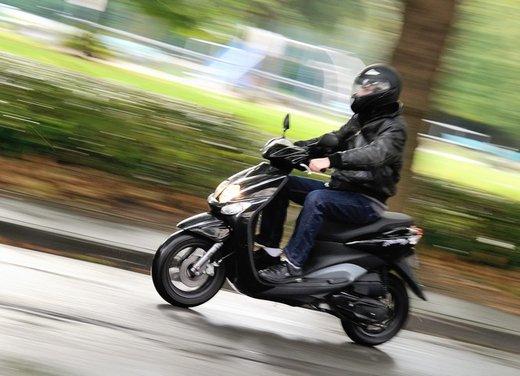 Abs obbligatorio per moto e scooter: la novità nel decreto sviluppo