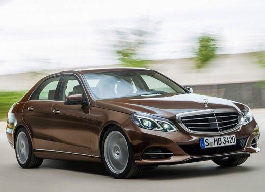 Nuova Mercedes Classe E immagini ufficiali del restyling della Classe E