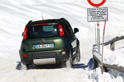 Fiat Panda 4×4 test drive sulla neve in occasione di Fiat Winter Fun - Foto 17 di 34