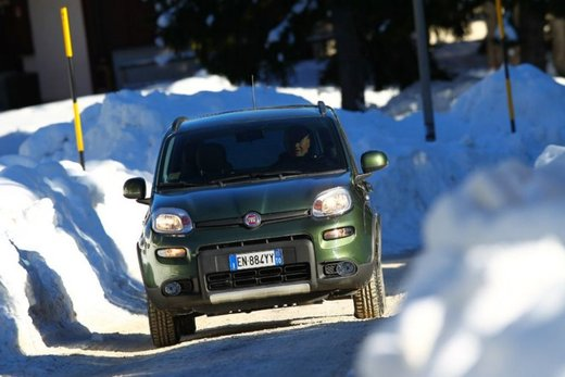 Fiat Panda 4×4 test drive sulla neve in occasione di Fiat Winter Fun - Foto 4 di 34