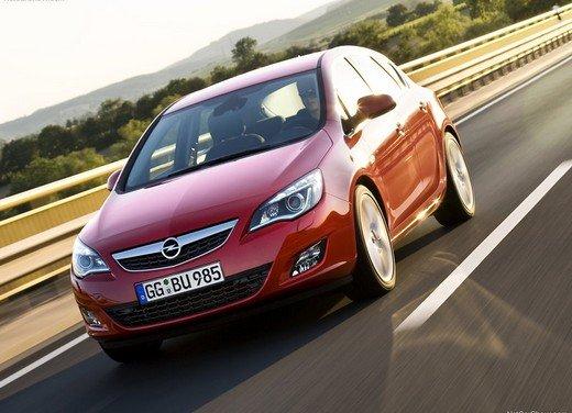 Opel Astra MY 2014 - Foto 4 di 14