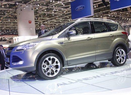 Prezzi nuova Ford Kuga da 26.000 euro. Meglio la vecchia Kuga a 22.500 o l'attuale Volkswagen Tiguan a 22.900?