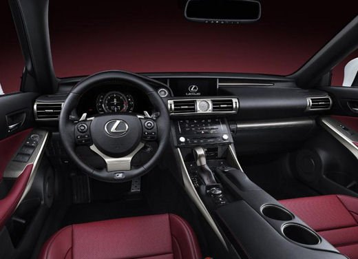 Lexus IS F Sport - Foto 3 di 6