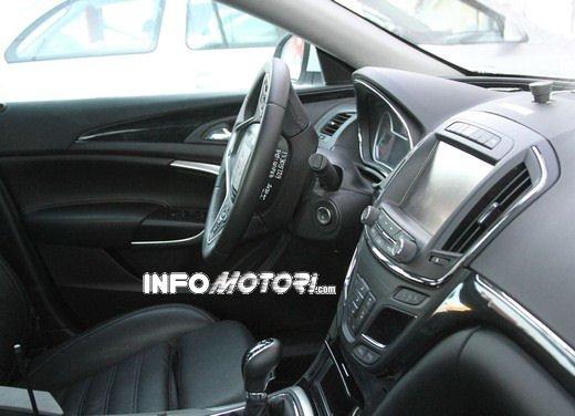 Foto spy della Nuova Opel Insignia Facelift - Foto 1 di 9