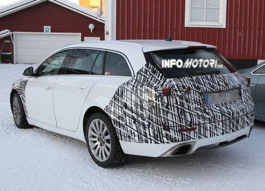 Foto spy della Nuova Opel Insignia Facelift - Foto 8 di 9