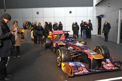 Pirelli fornitore unico della Formula 1 per altri tre anni - Foto 31 di 41