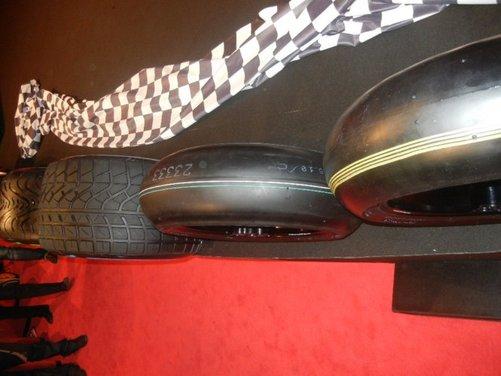 Superbike 2013: nuovo diametro e mescole per le gomme Pirelli 2013 - Foto 2 di 10