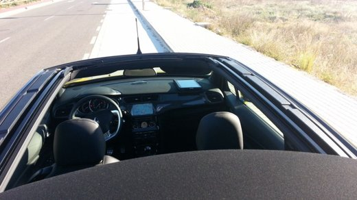 Citroen DS3 Cabrio provata su strada a Valencia - Foto 13 di 27