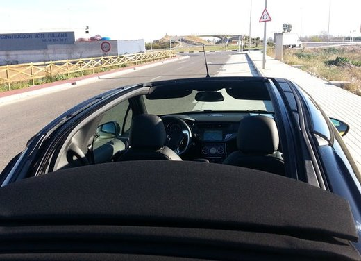 Citroen DS3 Cabrio provata su strada a Valencia - Foto 14 di 27
