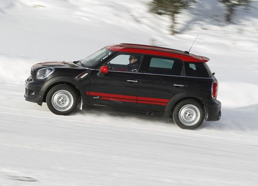 Mini Countryman John Cooper Works All4 a trazione integrale - Foto 1 di 12
