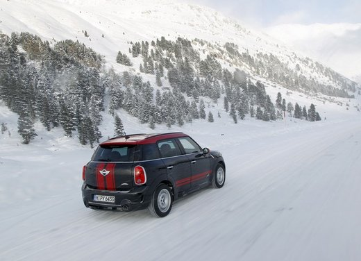 Mini Countryman John Cooper Works All4 a trazione integrale - Foto 7 di 12