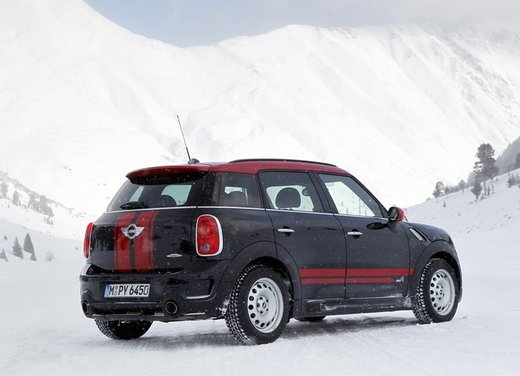 Mini Countryman John Cooper Works All4 a trazione integrale - Foto 9 di 12