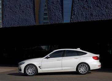 Nuova BMW Serie 3 GT prezzi ed allestimenti per il mercato italiano - Foto 12 di 20