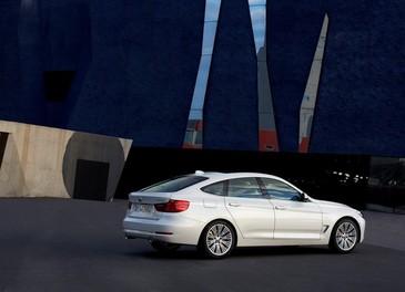 Nuova BMW Serie 3 GT prezzi ed allestimenti per il mercato italiano - Foto 14 di 20