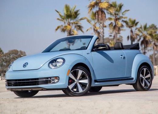 Volkswagen Maggiolino Cabriolet in promozione a 22.600 euro