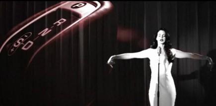 Jaguar F-Type nel video di Lana Del Rey Burning Desire - Foto 6 di 10