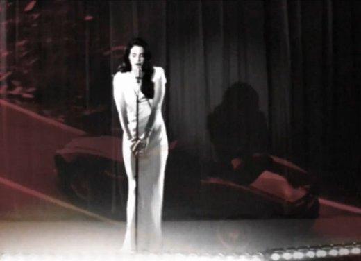 Jaguar F-Type nel video di Lana Del Rey Burning Desire - Foto 5 di 10