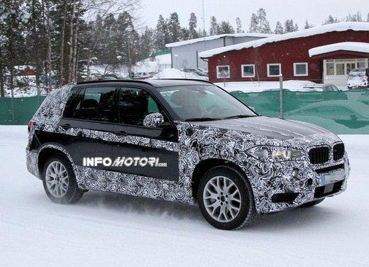 BMW X5 foto spia del suv rivale di Audi Q5 e Volkswagen Touareg
