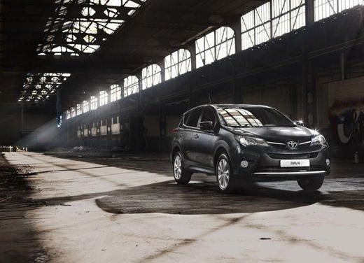 Toyota RAV4 offerta in sconto con 2.000 euro di risparmio - Foto 2 di 14
