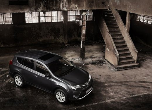 Toyota RAV4 offerta in sconto con 2.000 euro di risparmio - Foto 6 di 14