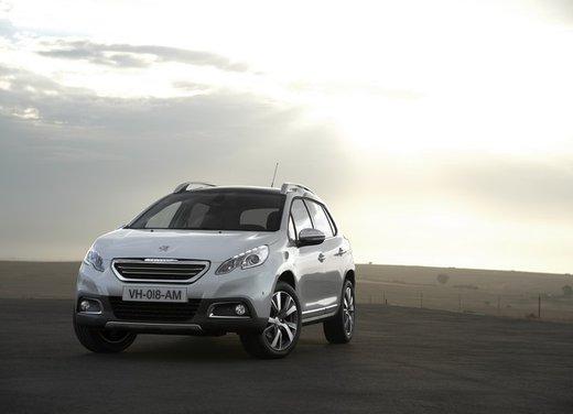 Peugeot 2008, listino prezzi da 15.100 euro - Foto 1 di 44