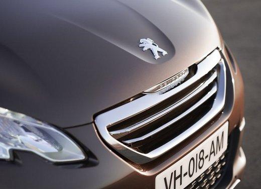 Peugeot 2008, listino prezzi da 15.100 euro - Foto 30 di 44