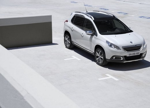 Peugeot 2008, listino prezzi da 15.100 euro - Foto 12 di 44