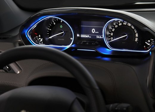 Peugeot 2008, listino prezzi da 15.100 euro - Foto 25 di 44