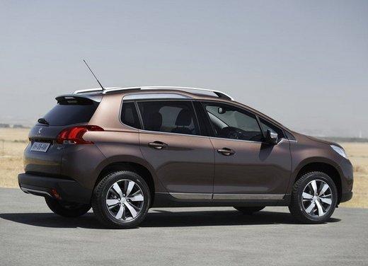 Peugeot 2008, listino prezzi da 15.100 euro - Foto 18 di 44