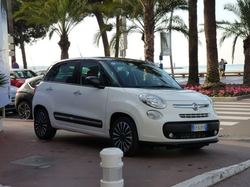 Fiat 500L provata su strada a Cannes con due nuovi motori da 105 CV - Foto 5 di 22