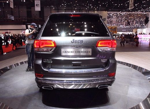 Jeep Grand Cherokee MY 2014 - Foto 2 di 9