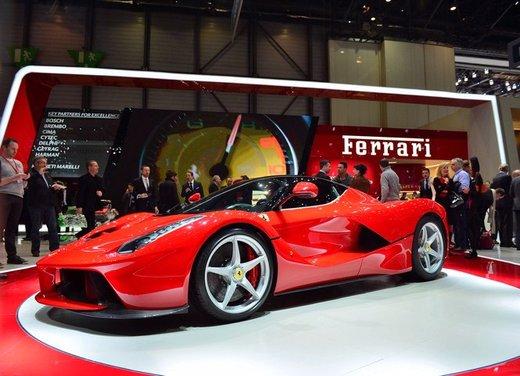 Una Ferrari LaFerrari trasformata in camper - Foto 10 di 31