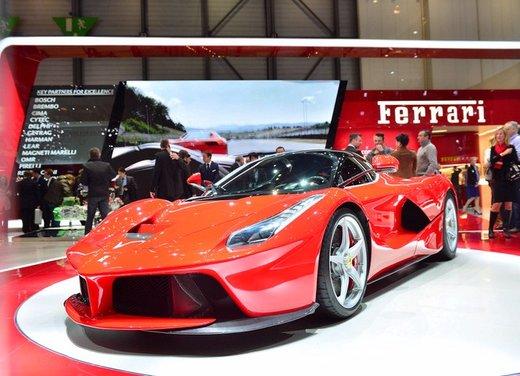 Una Ferrari LaFerrari trasformata in camper - Foto 12 di 31