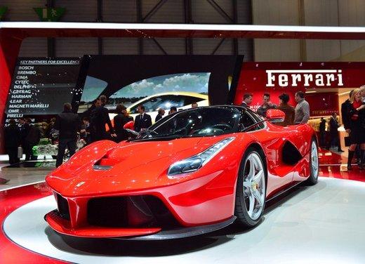 Una Ferrari LaFerrari trasformata in camper - Foto 13 di 31