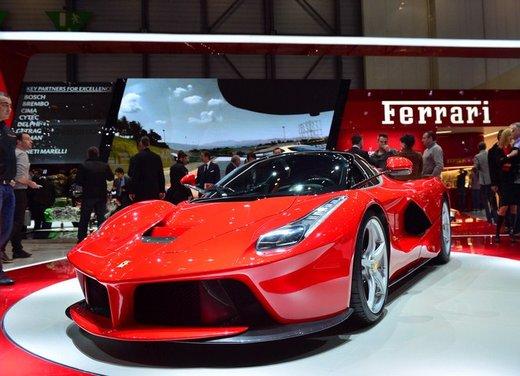 Una Ferrari LaFerrari trasformata in camper - Foto 14 di 31
