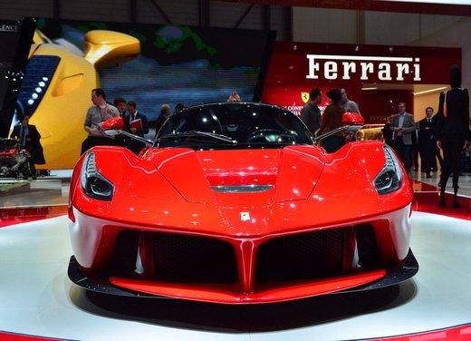 Una Ferrari LaFerrari trasformata in camper - Foto 19 di 31