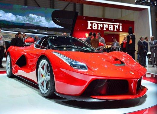 Una Ferrari LaFerrari trasformata in camper - Foto 21 di 31