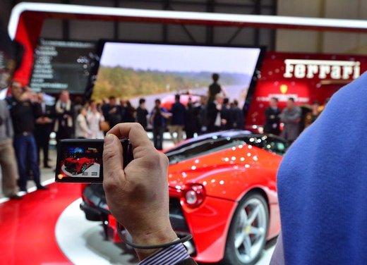 Una Ferrari LaFerrari trasformata in camper - Foto 22 di 31