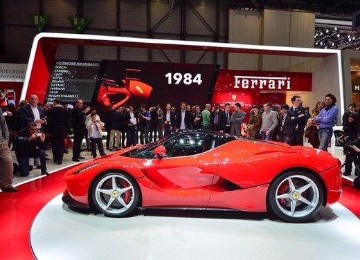 Una Ferrari LaFerrari trasformata in camper - Foto 24 di 31