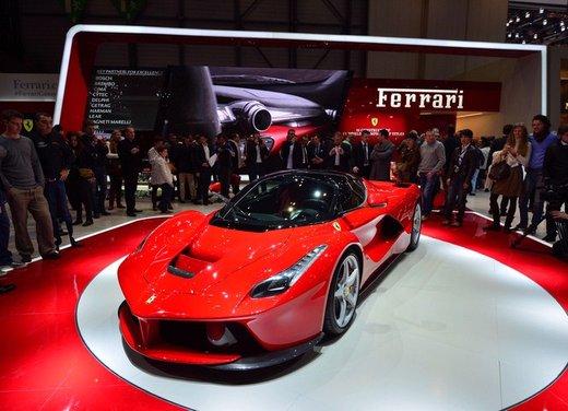 Una Ferrari LaFerrari trasformata in camper - Foto 28 di 31